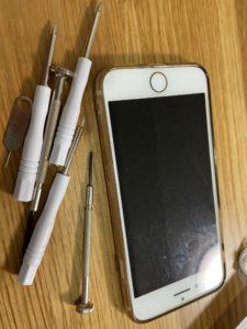 Iphone8・バッテリー交換・ネジが外れない【対処法】