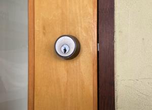 【不法進入?】引越し先のマンションのドアが何者かによって開けられるケース